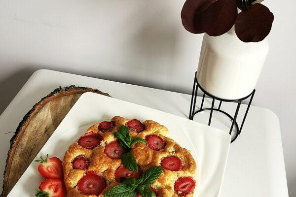 Omlet na słodko z truskawkami