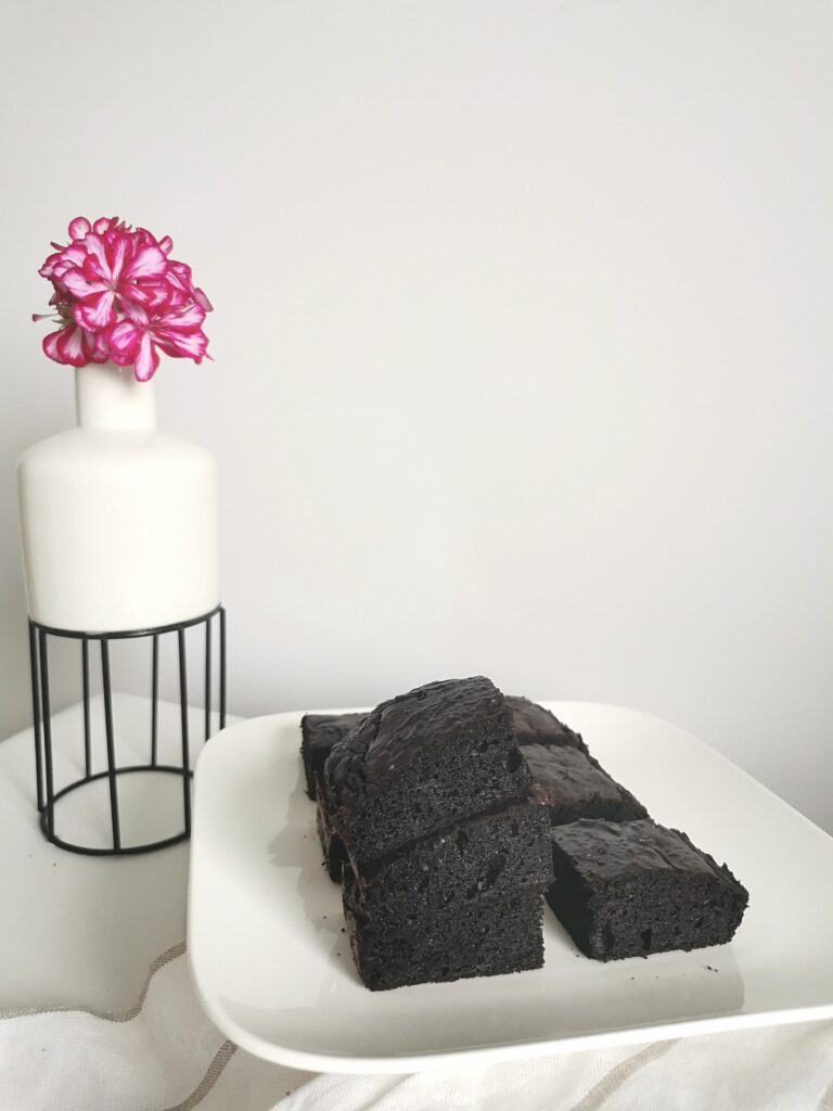 czekoladowe brownie z cukinii - pyszny deser