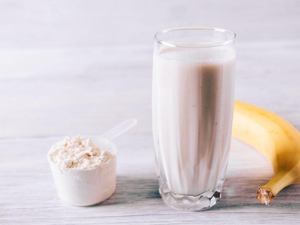 odżywka białkowa a trądzik