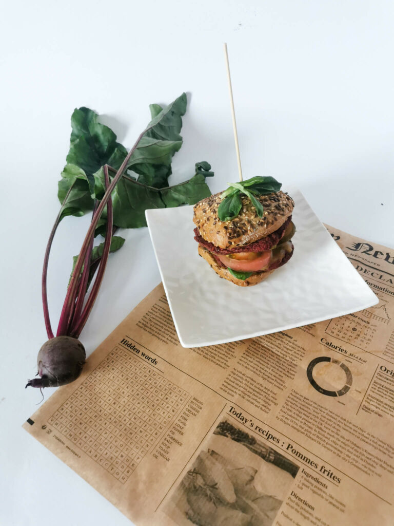burger z buraka i kaszy gryczanej